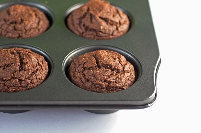 Super Healthy Chocolate Cupcakes - FeastingonFruit.com